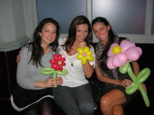 ladies-with-balloons