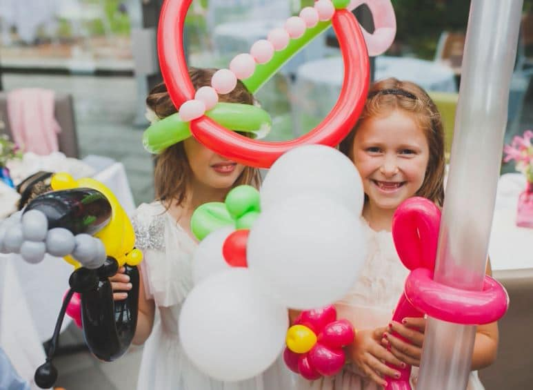 family events balloon modelling
