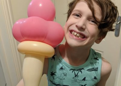 balloon modelling artist east sussex